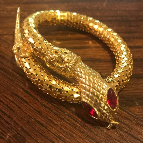 Vintage Jewelry - Gold mesh serpent or snake bracelet
